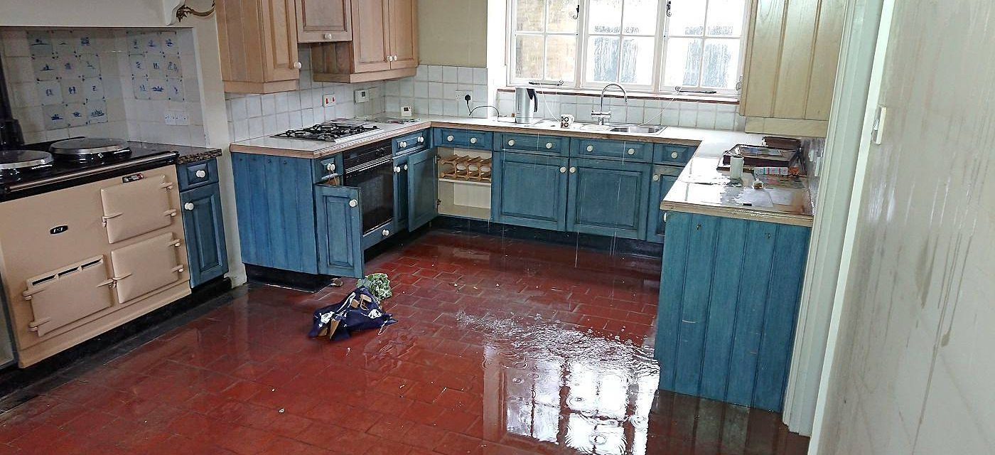 How To Speed Up The Drying Of A Flooded Building?